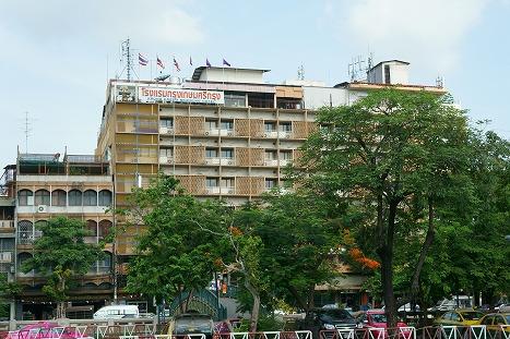 1504302srikrunghotel