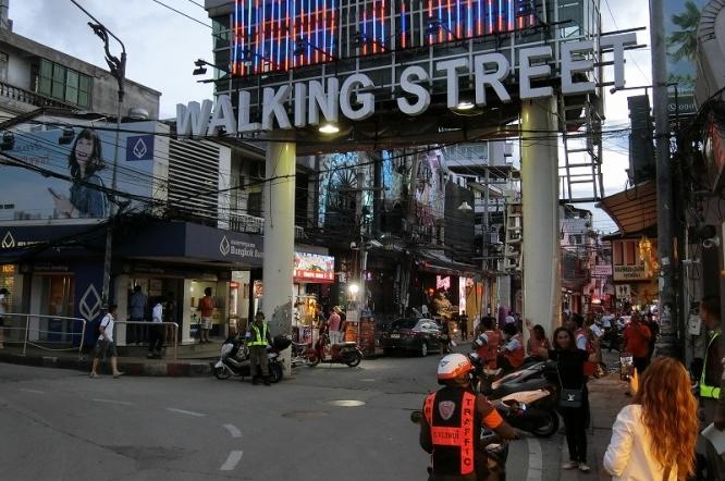 19092004walkingstreet
